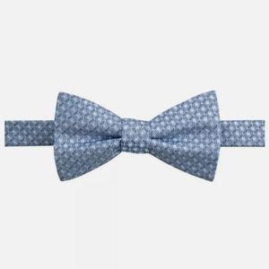 NWT Ryan Seacrest Distinction Silk Bow Tie Blue